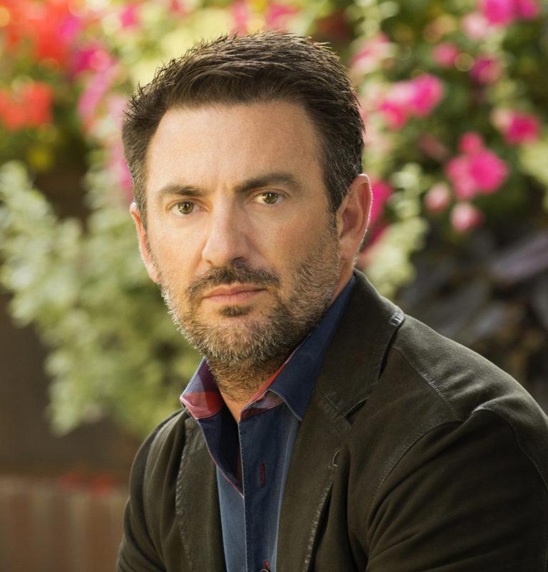 Ryan J Fernandez